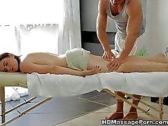 Красивое Шейла наслаждаться сексуальное массажа