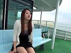 Asian tonåring visar fitta