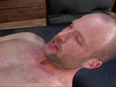 Bitchboy bekam Butt-fucked während eines Vorstellungsgesprächs