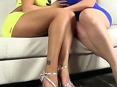 Naughty- Hotties - Zwei erstaunliche lesbisch Ärsche