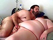 Del oso rechoncho folla a su novio el cacho suave