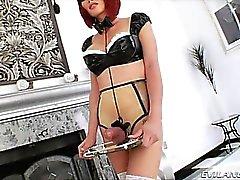 Tgirl Дэнни с ней сексуальной рабыни Эва Лин