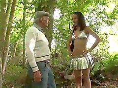 Awesome adolescentes la puta El Pecho mediante Los extranjeros en Woods