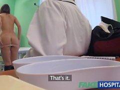 FakeHospital médico sucia folla ladrón femenina y creampies su coño