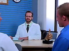 Nus indivíduo adolescente menino sexo gay Brian Bonds vai para Dr. Strangeg