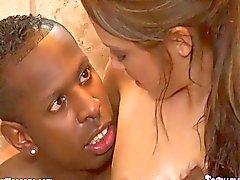 Interracial Soapy Massage och BBC Deepthroat