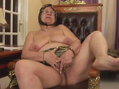 Anneanne bazı Dick için aç