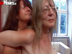 Old sluts go crazy dildo fucking their cunts