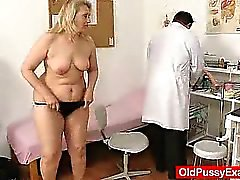 Di MILF grassoccio Bionda esplorato da figa il medico