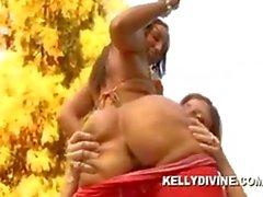 Kelly Divine Sara Jay