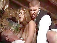 Le village fille baiser avec deux mecs - xturkadult OCM