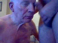 isoisä imee webissä