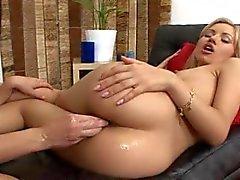 Ciò Bellachioma hot ama la efferato pugno anale