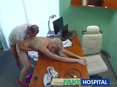 FakeHospital Skinny babe besoins coq médicinale