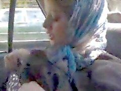 Arab hamile kaltak onu çıplak vücut gösteriliyor