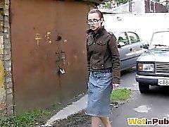 Gal. in Gläsern in leckt Jeans Rock