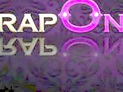 StrapOn céleste lesbiennes blonds strapon sexe