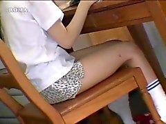 Aasian tyttö Fleshlight Humping esineitä