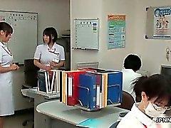 Kiimainen ja japanilainen hoitajan joutuu vietteli in