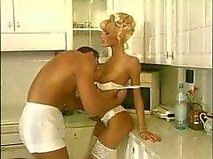 Аните Блонд - Клип ( Дни рождения )