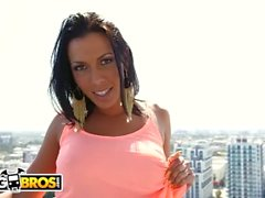 BANGBROS - No podemos tener suficiente de MILF Big Star de Rachel Starr