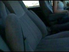 Busty Priya Rai gosta Foda-se no carro