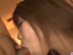 Japanische Blow Bang Sex Erfahrung entlang Naosima Ai