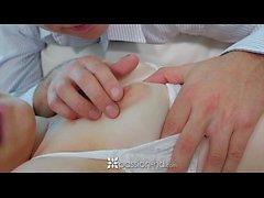 Passion-HD - Puffy nippled Alice März gefickt auf weiße Couch