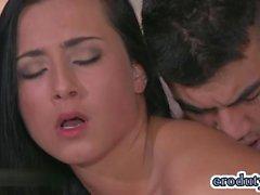 Porno Stella porno caldo e l'orgasmo