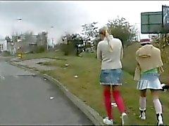 Sexy lesbiennes spelen op de Bus ! ! !