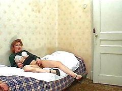 Wanking mom gets her bush smashed till cumshot