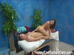 Наших скрытые камеры шпионки поймала Кейти массажист дать больше чем массаж !