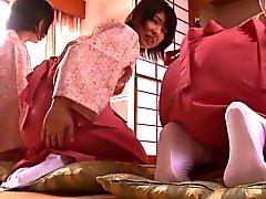 Förlorade mot i Japanska tonåren Drottningen duden när wanking honom av