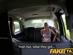 Fake Taxi Backseat fuck para passeio de táxi livre