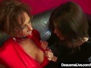 Olgun Cougars Deuxma'dan & Ashley Renee Bağlı & Topu Gagged!