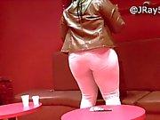 Пиратской In The Club - Толстые на белых джинсах