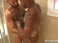 Barraca & Uncut Schokolade in der Dusche