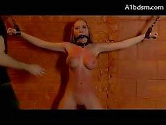 Kerker frauen nackt im Frauen Theater