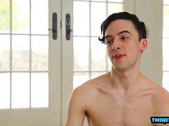 Esmer twinks cumshot ile anal seks