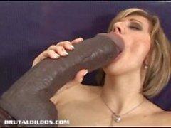 Vanessan syöttää hän pimppi ja kusipää suuri dildoja