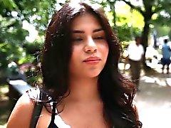 Herrlicher großer Esel latina jugendlich Mia Wright von Kolumbien