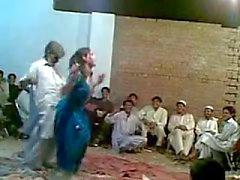 Afghani viejo individuo funny baile sexy con calientes transexual Ghazala
