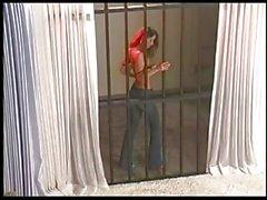 Веронике Zemanova дразнит из-за решетки !