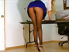Office girl pantyhose en dessous D'Époque