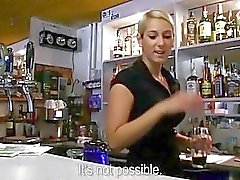 Euro barman Lenka geneukt voor geld