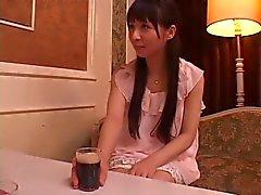 Yuka Osawa geneukt door drie kerels