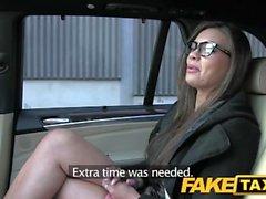 Bluff taxi tillbaka ally fan efter heta nymfomanen