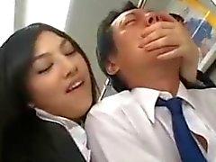 Aziatische Handjob in Bus.flv