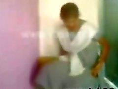 южная индийская 19 лет школьницы туалетом скандал секс - xsiblog.n