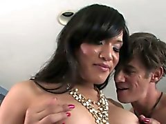 TS Jessicas Foxx in intensiven Bareback-Sex